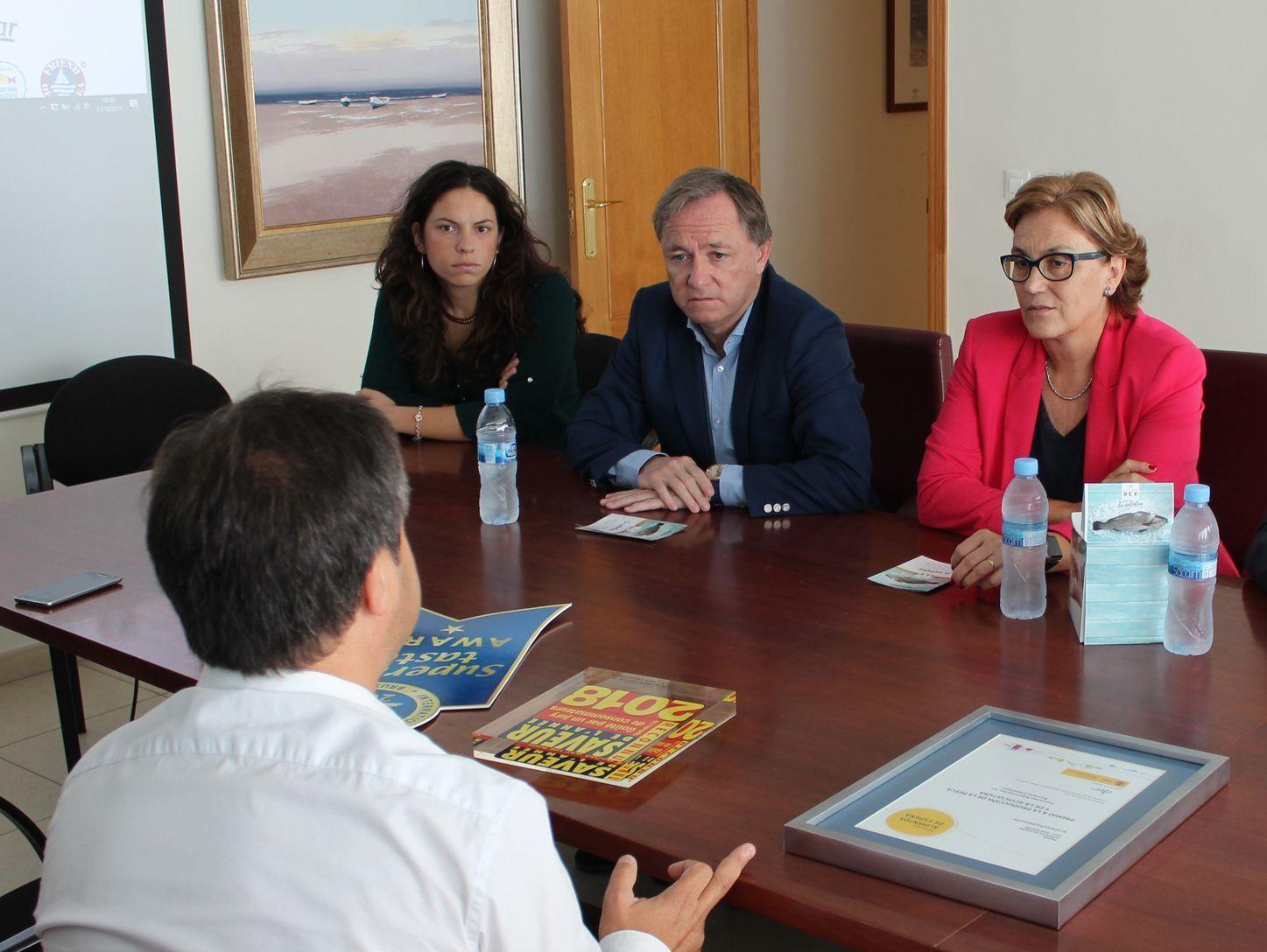 Visita Delegado de Gob en la CV y alcaldesa Burriana a FRESCAMAR