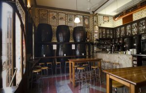 taberna emblematica del barrio Canyamelar
