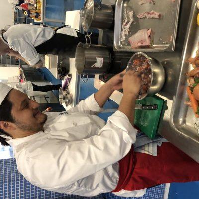Alumnos CSHM preparan recetas con REX