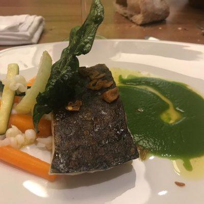 Corvina REX con mosaico de verduras y calamar