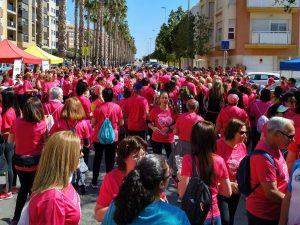 Mas de mil corredores en la Cursa de la Dona