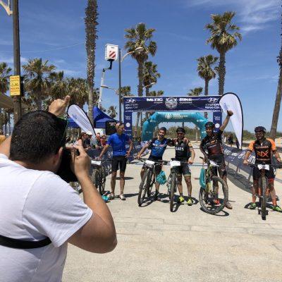 Grupo en meta Mitic Bike Corvina REX