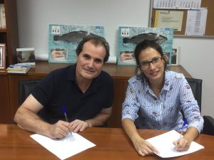 Firma convenio FRESCAMAR y GREMIO DE MAYORISTAS DE PESCADO DE MERCABARNA