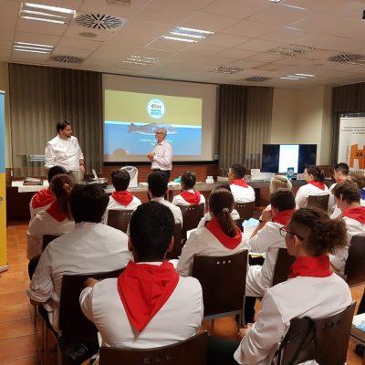 Futuros chefs de Murcia se forman con Corvina REX con Xanty Elias