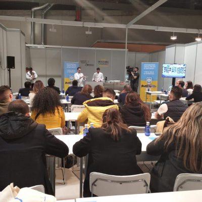 Profesionales de la gastronomia en Madrid Fusion asisten a taller Corvina REX y CdNM con estrella Michelin