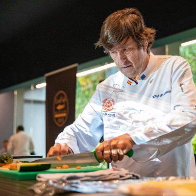Borja Letamendia, chef ejecutivo del propio Balamo, con su receta de Corvina REX